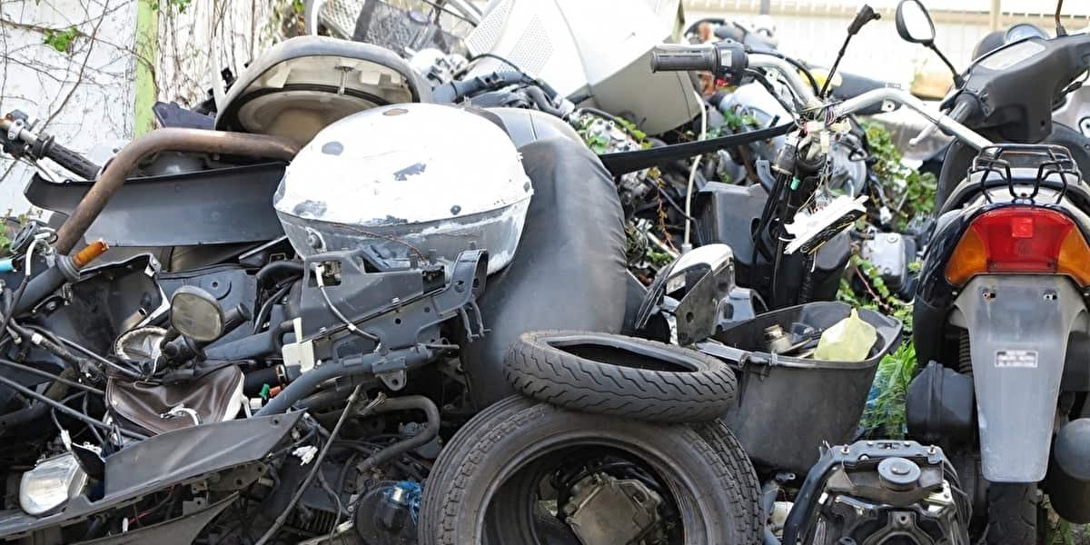 廃車 バイク タイヤ